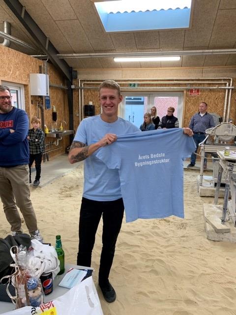 Emil-med-t-shirt